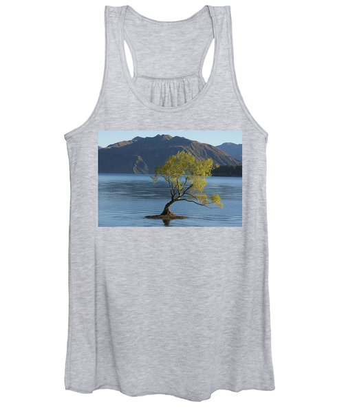 Tree In Lake Wanaka Women's Tank Top