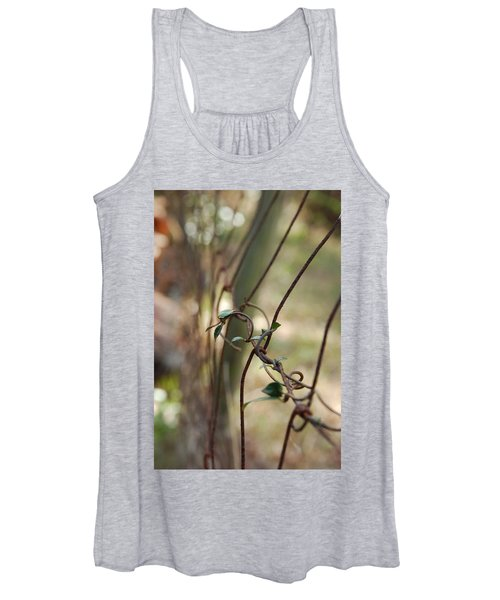 Vine On Rusted Fence Women's Tank Top