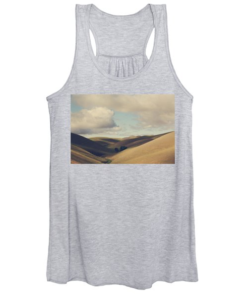 Up Above The Darkness Women's Tank Top