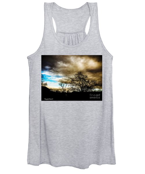 Storm  Coming  Women's Tank Top