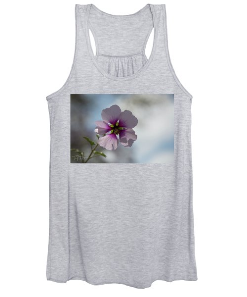 Flower In Focus Women's Tank Top