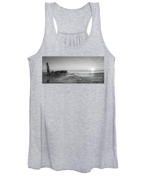 Shipwreck Panorama Sunset Women's Tank Top