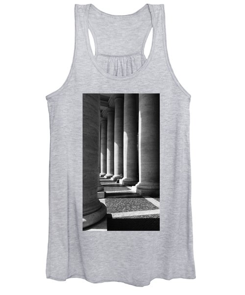 Waiting At St Peters Women's Tank Top