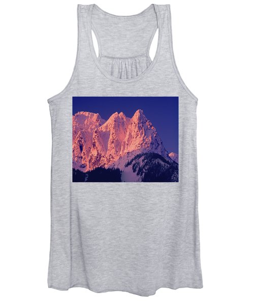 1m4503-a Three Peaks Of Mt. Index At Sunrise Women's Tank Top