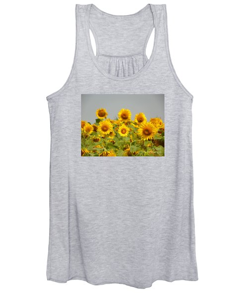 #933 D977 On Looking Colby Farm Sunflowers Women's Tank Top