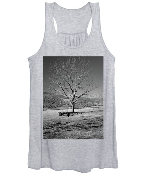 A Wintery Stand Women's Tank Top