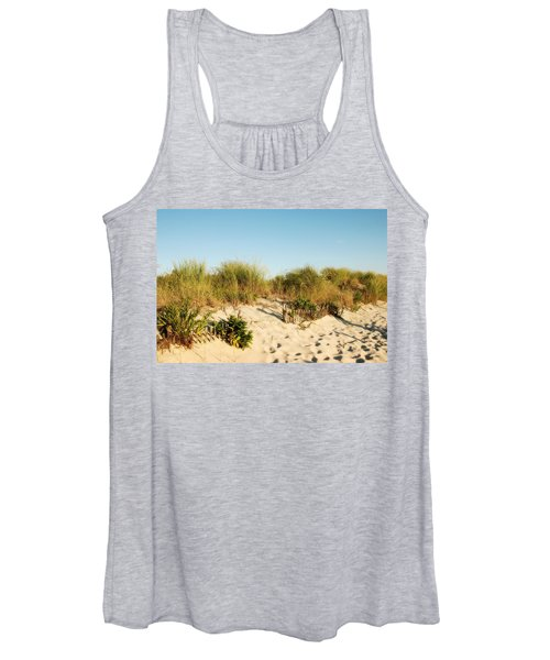 An Opening In The Fence - Jersey Shore Women's Tank Top