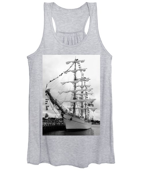 At The Pier Women's Tank Top
