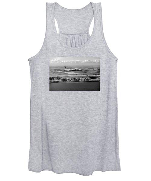 Avro Vulcan Over The White Cliffs Of Dover Black And White Versi Women's Tank Top