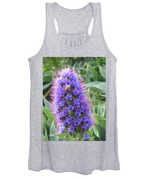 Bee On Blue Women's Tank Top