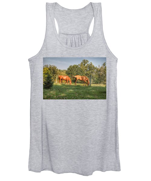 1006 - Caramel Horses I Women's Tank Top