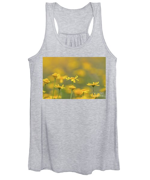 Close Up Of Yellow Flower With Blur Background Women's Tank Top