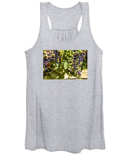 Colorful Red Wine Grape Women's Tank Top