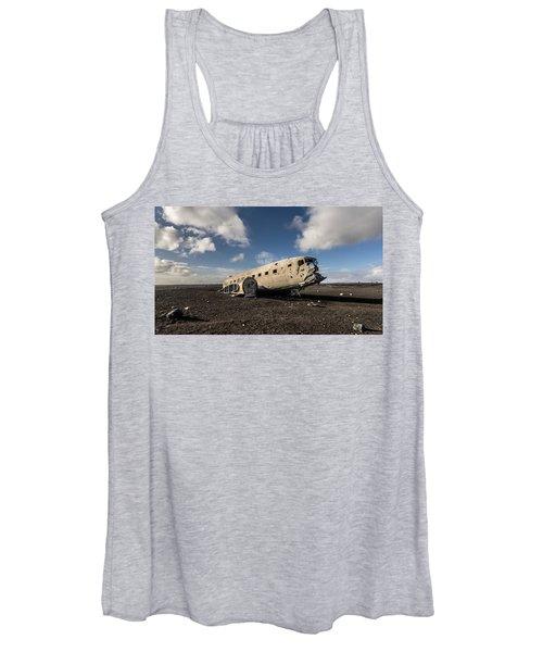 Crashed Dc-3 Women's Tank Top