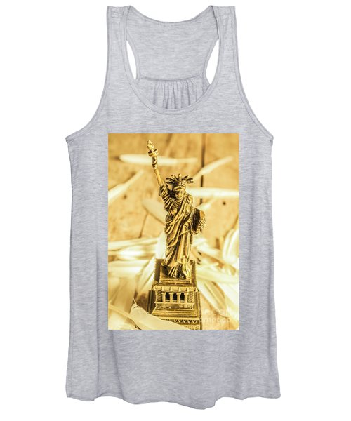 Dove Feathers And American Landmarks Women's Tank Top