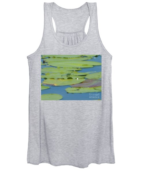 Dragonfly On Lily Pad Women's Tank Top