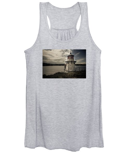 Dramatic Mid-day Shot Of Squirrel Point Women's Tank Top