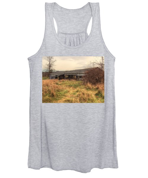 Women's Tank Top featuring the photograph Falling Down by Michael Colgate