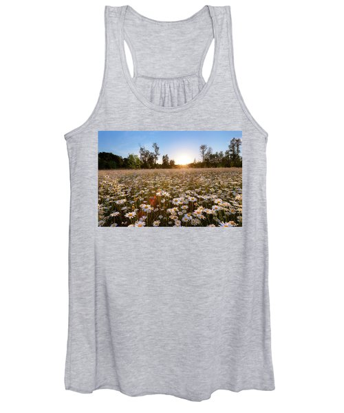 Field Of Daisies Women's Tank Top