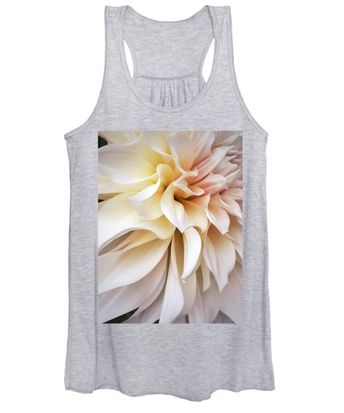 Garden Queen 1 Women's Tank Top