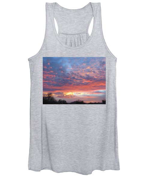 Golden Eye Landing In The Desert Women's Tank Top