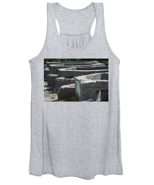 Into The Ruins 3 Women's Tank Top