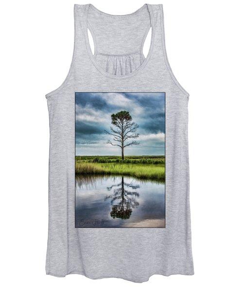 Lone Tree Reflected Women's Tank Top