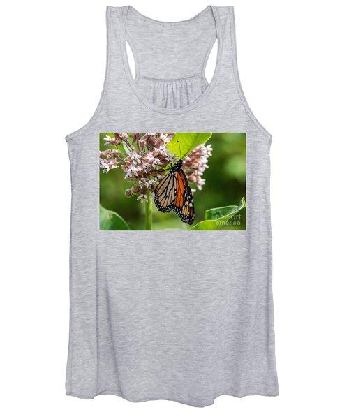 Monarch On Milkweed Women's Tank Top