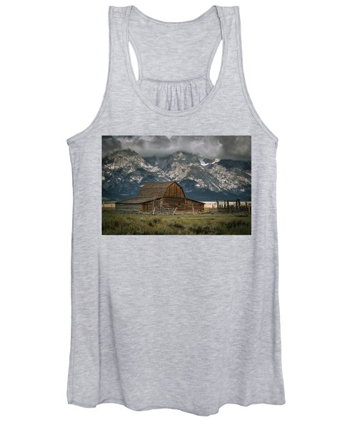 Multon Barn Women's Tank Top