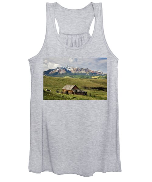Old Barn And Wilson Peak Horizontal Women's Tank Top