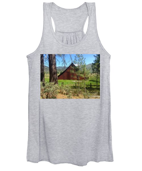 Old Red Barn Women's Tank Top