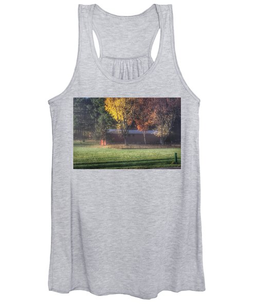 0041 - Red Barn On A Foggy Fall Morning Women's Tank Top