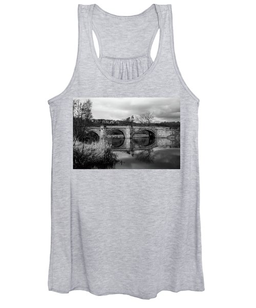 Reflecting Oval Stone Bridge In Blanc And White Women's Tank Top