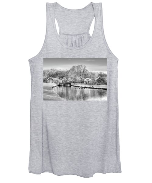 River In The Snow Women's Tank Top
