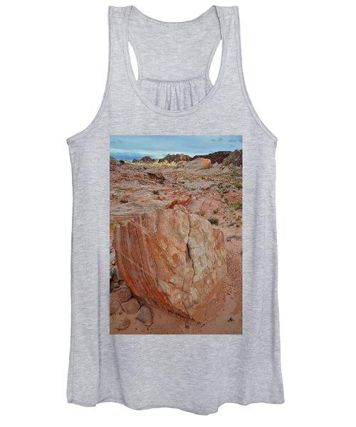 Sandstone Shield In Valley Of Fire Women's Tank Top