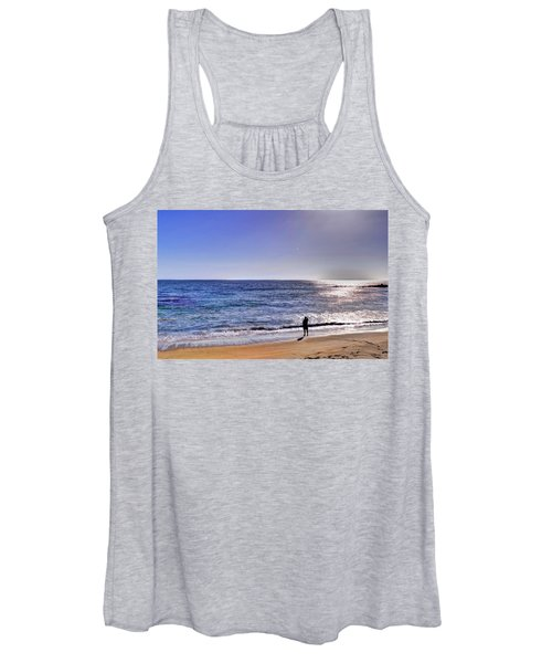 Searching To The Sea Women's Tank Top