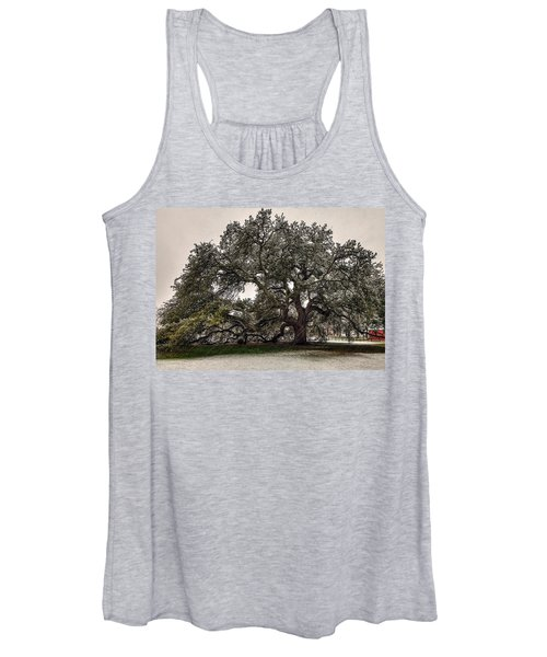 Snowfall On Emancipation Oak Tree Women's Tank Top