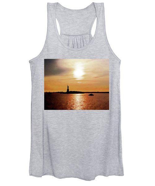 Statue Of Liberty At Sunset Women's Tank Top
