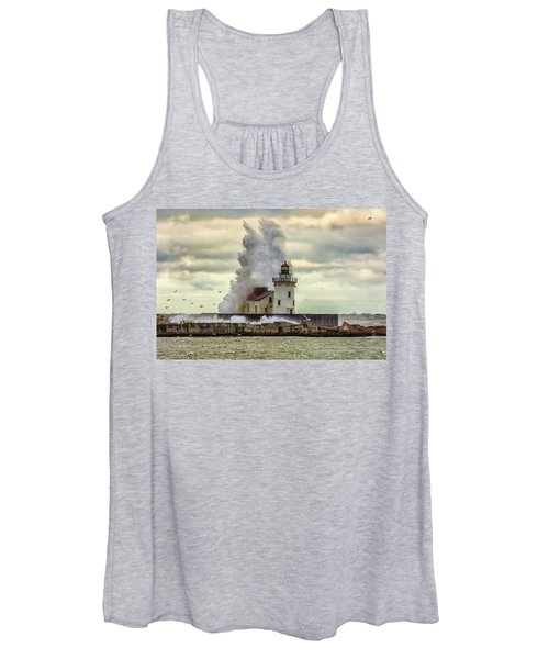 Storm Waves At The Cleveland Lighthouse Women's Tank Top