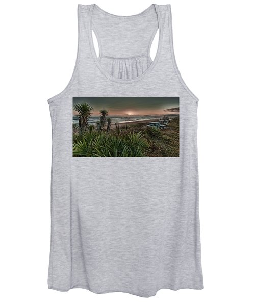 Sunrise Picnic Women's Tank Top