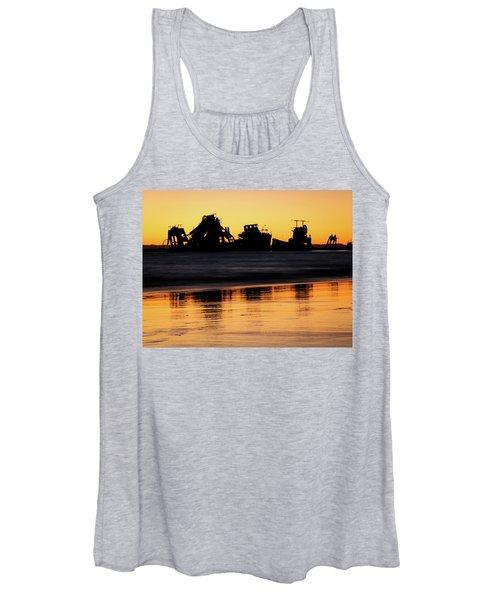 Tangalooma Wrecks Sunset Silhouette Women's Tank Top