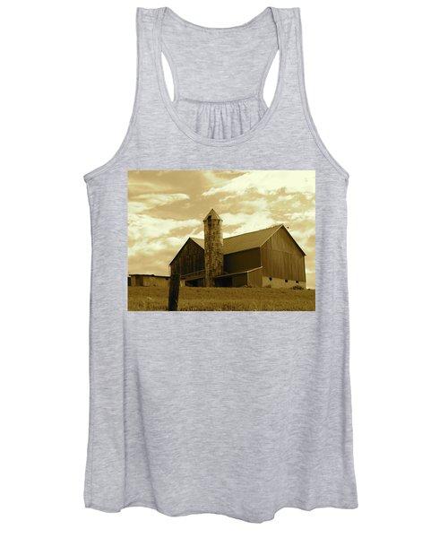 The Amish Silo Barn Women's Tank Top