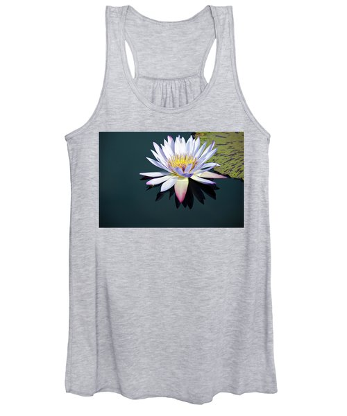The Water Lily Women's Tank Top