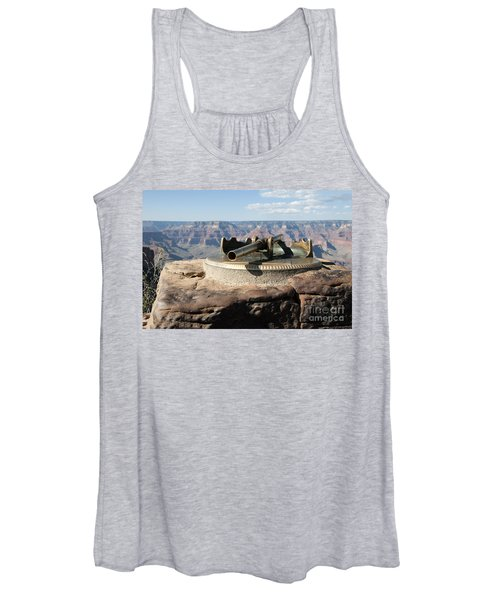Viewing Infinity Women's Tank Top