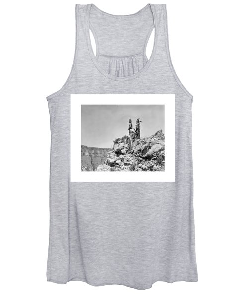 Women's Tank Top featuring the photograph Watching The Signal by John Feiser