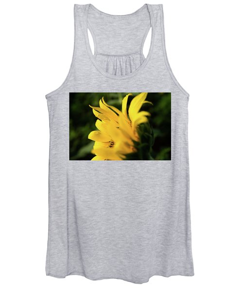 Water Drops And Sunflower Petals Women's Tank Top
