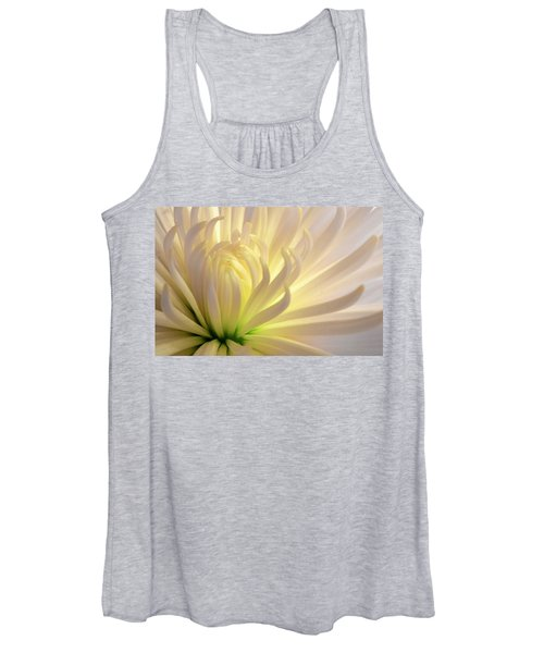 Women's Tank Top featuring the photograph Well Lit Mum by Bob Cournoyer