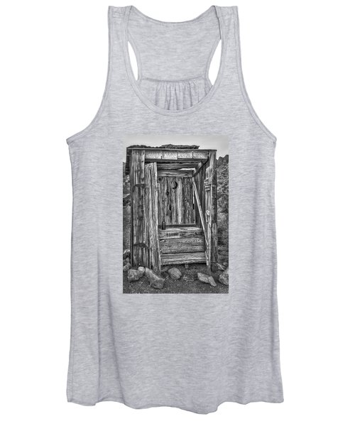 Western Outhouse Bw Women's Tank Top