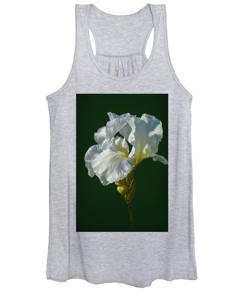 White Iris On Dark Green #g0 Women's Tank Top