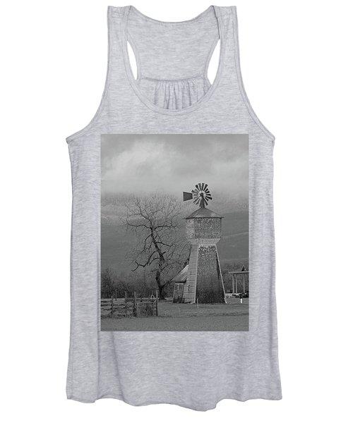 Windmill Of Old Women's Tank Top